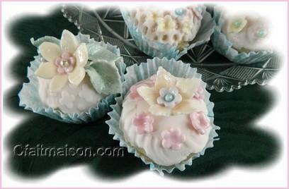 fabriquer des fleurs artificielles papier soie plastique fimo perles d coupe et origami. Black Bedroom Furniture Sets. Home Design Ideas