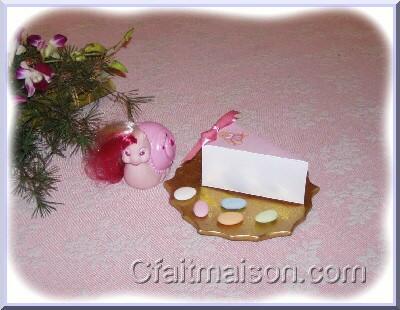 boîtes et sachets pour dragées, friandises ou petits cadeaux à