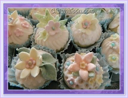 Fabriquer des fleurs comestibles d coratives for Faire des decors en pate a sucre