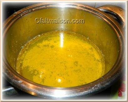 Beurre après 45 minutes de cuisson et élimination des particules et de la mousse