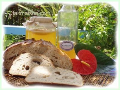 mie d'un pain au levain naturel de kombucha