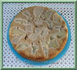 Gâteau aux poires et aux noisettes.